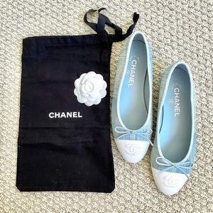 NWT Chanel classic ballet flats blue and white
